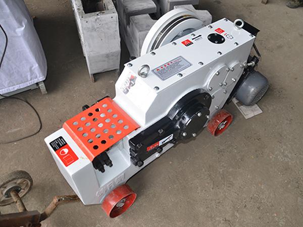 恒达建机让外地客户更快的用上恒达建机钢筋加工机械